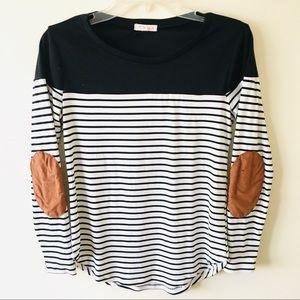 A'Gaci Top - Black/White Stripes - Small